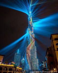 Image may contain: night, sky and outdoor Unique Buildings, Amazing Buildings, Dubai City, Dubai Uae, Futuristic Architecture, Beautiful Architecture, Tower Building, Dubai Travel, Night City