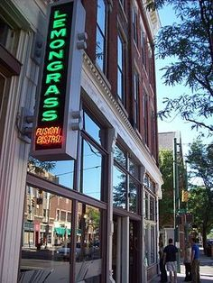 Restaurants in Columbus wonderful pad thai and lemongrass soup served with a savory donut