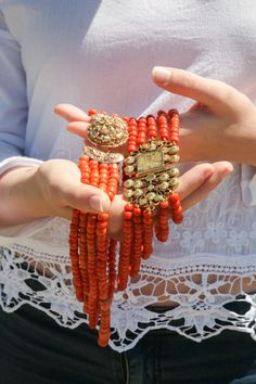 bloedkoralen Coral Jewelry, Amber Jewelry, Ethnic Jewelry, Antique Jewelry, Vintage Jewelry, My Roots, Couture, Red Coral, Traditional Outfits