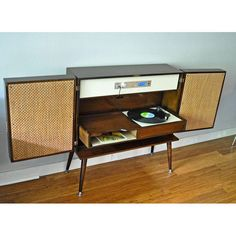 mid-cenury modern stereo console | Mid-Century Modern Stereo Console | Chairish