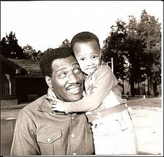 Otis Redding soul Singer and son R&b Artists, Soul Artists, Black Artists, Music Artists, Motown Singers, Soul Singers, Otis Redding, Sweet Soul, Rhythm And Blues