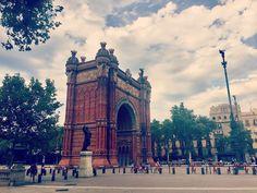 Dias en que pasas por si tios diferentes #Barcelona