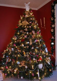 vicorian christmas trees were covered with beads and hand made ornaments angels and tin soldiers - Old Fashioned Christmas Tree Decorations