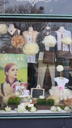 Mothersday window 2014 with Lollia promo