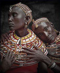 Ils habitent dans la Rift Valley au Nord du Kenya. Le mariage est une succession de rituels très élaborés. Ils accordent une grande importance aux cadeaux émanant du fiancé (deux peaux de chèvres,...