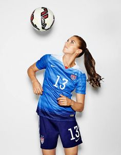 Pro women's soccer. Football Girls, Girls Soccer, Nike Soccer, Soccer Cleats, Football Players Images, Soccer Players, Camisa Barcelona, Soccer Inspiration, Story Inspiration