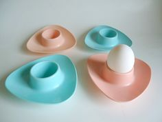 Vintage 1950s Set of 4 Plastic Retro Coloured Triangular EGG CUPS by treasurecoveally on Etsy