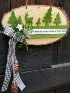 Craft set - door wreath wooden disc green - a unique product by ChriSue on DaW . Craft set – door wreath wooden disc green – a unique product by ChriSue on DaWanda Christmas 2017, Rustic Christmas, Christmas And New Year, Winter Christmas, Christmas Home, Christmas Wreaths, Christmas Crafts, Christmas Decorations, Christmas Ornaments