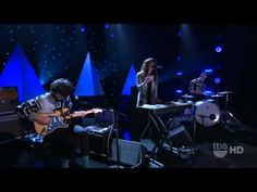 Beach House - 10 Mile Stereo - Conan 12/20/2010 // i will pin all the Beach House and you can't stop me