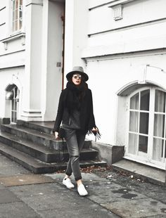 HOW TO ELEVATE YOUR WEEKEND WEAR ||  Mohair, mohair jumper, comfy wear inspiration, elevate your weekend wear, how to dress a knit up, dress oversized knit up, grey cardigan, grey, knit, knitwear, mohair outfit, girlfriend jeans, girlfriend jeans outfit, mowoblog, boyfriend jeans outfit ideas, hat outfit, hat ootd, ootd, janessa leone, won hundred, leather jacket outfit, style, danish blogger, mowo blog, cozy outfit, axel arigato sneakers, marble sneakers, white sneakers outfit, s...
