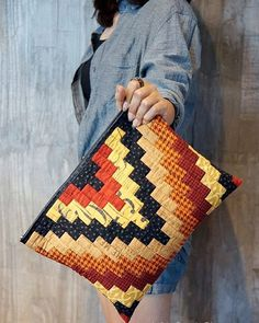 Bargello Tote Bag - made with batiks & Aurifil thread on a Bernina Quilted Tote Bags, Patchwork Bags, Clutch Bag Pattern, Bargello Patterns, Diy Handbag, Fabric Bags, Hand Quilting, Purses And Bags, Sewing Patterns