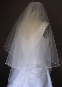 Two tier fingertip beaded veil