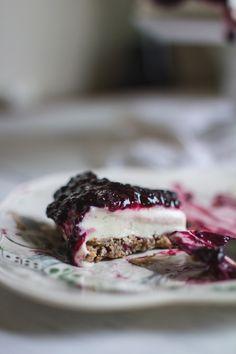 frozen blackberry honey & goat cheesecake