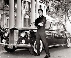 shown in front of graceland is the 1960 rolls royce phantom with Elvis ...