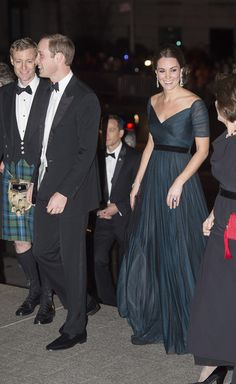 Kate Middleton Photos - Prince William, Duke of Cambridge and Catherine, Duchess of Cambridge arrive at Metropolitan Museum of Art to attend the St. Andrews 600th Anniversary Dinner December 9, 2014 in New York City. The event is created to support scholarships and bursaries for students from under-privileged communities and investment in the university's media and science faculties, sports centers and lectureship in American literature. - St. Andrews 600th Anniversary Dinner