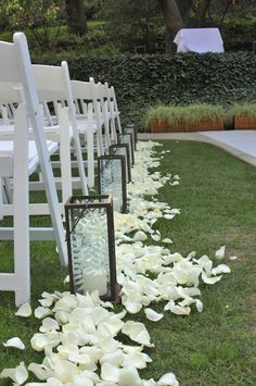 Large Lanterns with petals (and runner)