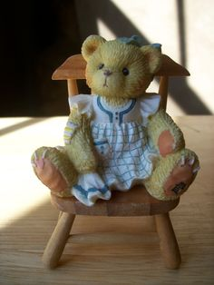 """Cherished Teddies 1996 Dina """"Bear in Mind, Your Special"""" Figurine"""