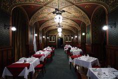A Kárpátia étterem egyik terme. Az étterem 1877 óta működik ezen a helyen, akkoriban sokszor a Ferences templomig nyújtózott az asztalra vár...