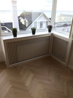 Radiator cover on meter - Lunderskov special furniture I / S - Diy And Home Modern Radiator Cover, Dream Furniture, Cuisines Design, Apartment Interior, Interior Design Living Room, New Homes, Home Decor, Helpful Hints, Windows