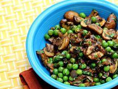 Mushroom Mutter Masala — Easy Indian-Style Vegan Mushroom and Green Peas Recipe