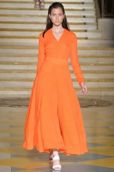 Emilia Wickstead Spring 2015 RTW – Runway – Vogue Bold, pretty and powerful orange gown. #orangefashion