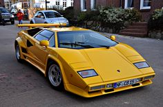 Lamborghini Countach 5000 Quattrovalvole. This body style looks good in any color.