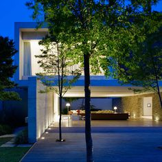 Brazilian architectural firm Studio MK27 - Marcio Kogan has designed the Mirindibas House. Completed in 2006, this 8,956 square foot contemporary home is located in Sao Paulo, Brazil.                        Photos by: Nelson Kon