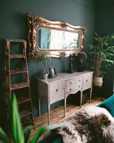 30 Fabulous Victorian Bohemian Home Decor Ideas - SearcHomee Victorian Bed, Victorian Decor, Victorian Terrace, Living Room Themes, Living Spaces, Shabby Chic Decor, Bohemian Decor, Vintage Bohemian, Bohemian Style