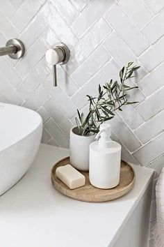 Come and see how easy it is to add Scandinavian Farmhouse Touches to your Home Decor. Bad Inspiration, Bathroom Inspiration, Interior Inspiration, Interior Ideas, Bathroom Interior Design, Home Interior, Coastal Interior, Interior Modern, Scandinavian Interior Design