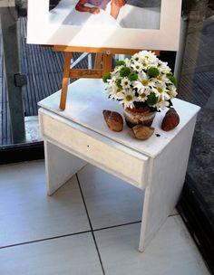 Rol de entrada decorado por TPM com seus intens de decoração (cavalete, mesinha e vaso de cerâmica)  https://www.facebook.com/TPMsolucoescriativos