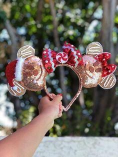 Gingerbread Minnie and Mickey Christmas Holidays Themed Disney Ears Headband Gingerbread Minnie and Mickey Christmas Holidays Themed Disney Ears Headband Disney Diy, Diy Disney Ears, Disney Mickey Ears, Disney Crafts, Minnie Mouse, Disney Ears Headband, Disney Headbands, Ear Headbands, Disney World Christmas
