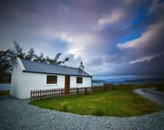 Get away from the hustle and bustle , come and stay in Skye Croft in Highlands and Islands, Scotland. An idyllic getaway with unspoilt views, where you can relax and refresh, Ideal base for touring the stunning Isle of Skye, Short breaks available Jan - Mar, Oct - Dec.
