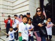 Inmigrantes apoyan en la corte la defensa del Gobierno de medidas migratorias