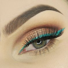 c55097e3676 Love this colored liner by @pandamake_up in our #HollywoodGlamLashes! 🐳 100  Human Hair