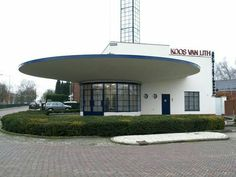Futuristic Art Deco building | SV