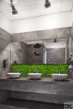 Living Wall Bathroom Awesome Living Wall for Creating Your Own Vertical Garden Bathroom Living Wall Bathroom. The easy way to add a living wall in a bathroom … Vertical gardens and residentia… Restroom Design, Bathroom Interior Design, Wc Public, Toilette Design, Moss Wall, Public Bathrooms, Cafe Interior, Restaurant Design, Sylvia Restaurant
