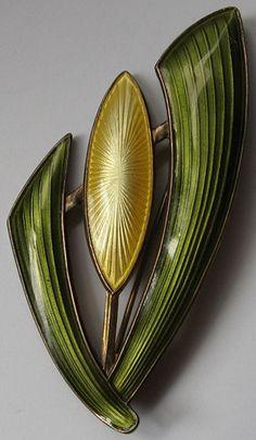 Around 2 inches. Slight enamel loss on one bud Sgraffito, Enamel Jewelry, Jewelry Art, Jewellery Box, Jewlery, Modern Jewelry, Vintage Jewelry, Custom Jewelry, Vintage Clothing