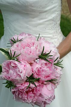 Google Afbeeldingen resultaat voor http://weddingfavorsunlimited.net/wp-content/uploads/2011/11/wedding-bouquet-flowers-71.jpg