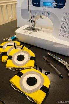 DIY Minion hats for Halloween!