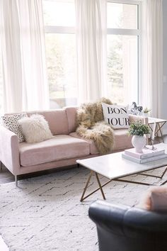 Blush Pink Sofa: Living Room Decor Inspiration - Pretty Little Details A bright modern living room w Living Room Decor Inspiration, Decoration Inspiration, Decor Ideas, Room Ideas, Sofa Inspiration, Decorating Ideas, Rosa Couch, Blush Pink Living Room, Pink Living Room Sofas