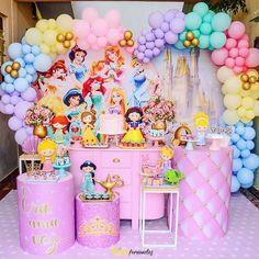 Princess Birthday Party Decorations, Disney Princess Birthday Party, Snow White Birthday, Balloons, Princesas Disney, Balloon Decorations, 5th Birthday, Cake, Desserts