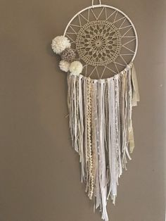 Dreamcatcher Dreamcatcher Boho Chic Tassels by Appartdesfilles - Home Decor Ideas! Dreams Catcher, Los Dreamcatchers, Doily Dream Catchers, Diy And Crafts, Arts And Crafts, Creation Deco, Boho Chic, Boho Decor, Weaving