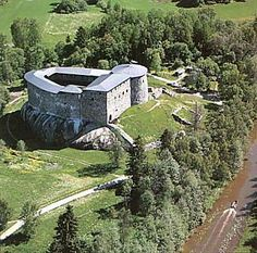 It's amazing that we have structures from the c. like the Raseborg Castle in Finland. How have they stood so long? Castle Ruins, Medieval Castle, Dump A Day, Beautiful Castles, Beautiful Places, Haunted Mansion, Kirchen, Windmill, Wonders Of The World