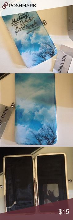 NWT Vincent Van Gough Quote Wallet This is NWT!!! Perfect for all important cards cash etc!! Hot Topic Bags Wallets