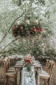 Suspended Flowers for Total Fairy Tale Wedding: Suspended flower chandelier Chic Wedding, Wedding Trends, Fall Wedding, Wedding Styles, Wedding Ideas, Diy Wedding Flowers, Floral Wedding, Wedding Centerpieces, Wedding Decorations