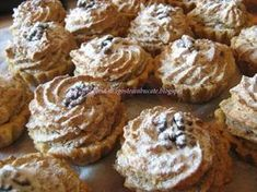 Dragostea in bucate: COSULETE CU NUCA SI GEM DE CAISE Romanian Food, Dessert Recipes, Desserts, Biscotti, Frosting, Bakery, Muffin, Food And Drink, Cupcakes