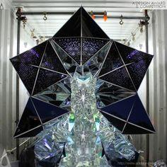 Japanische Künstler haben ein riesiges Kaleidoskop in einem Schiffscontainer installiert | The Creators Project