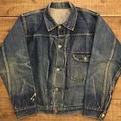 Levis Jacket, Denim Jackets, Fashion Wear, Work Fashion, Denim Button Up, Button Up Shirts, Vintage Jeans, Western Outfits, Wardrobe Ideas