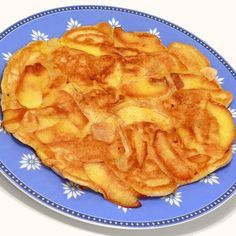 Apple Pie Pancakes - A nutritious breakfast recipe that could easily double as… Baby Food Recipes, Sweet Recipes, Snack Recipes, Cooking Recipes, Snacks, Salada Light, Gluten Free Apple Pie, Good Food, Pancake