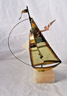 Take a look at this neat photo - what an artistic innovation Vintage Nautical Decor, Used Sailboats, Mario, Buy A Boat, Below Deck, Sculpture, Brass Metal, How To Better Yourself, Decoration